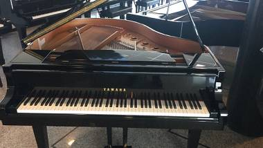 PIANOFORTE 1/4 CODA YAMAHA SILENT – PIANOFORTI A CODA CON SILENT VENEZIA- PIANOFORTI USATI YAMAHA CON SISTEMA SILENT- PIANOFORTI USATI YAMAHA SILENT ORIGINALE -