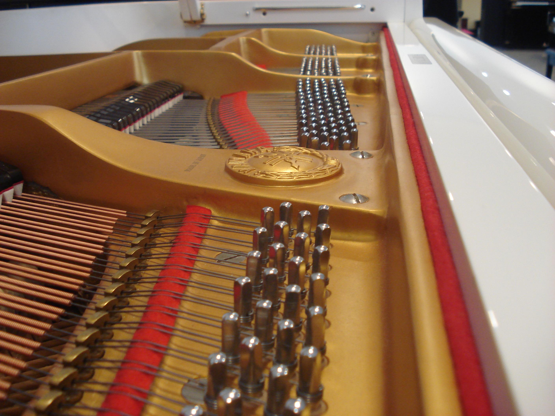 PIANOFORTE A CODA YAMAHA-BIANCO LUCIDO-USATO-OCCASIONE!!