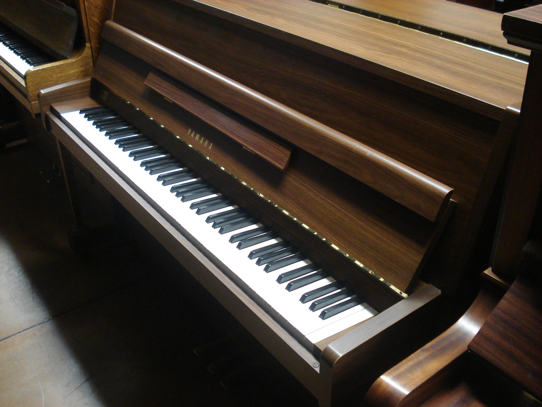 PIANOFORTE VERTICALE YAMAHA LU 101!!!!!!