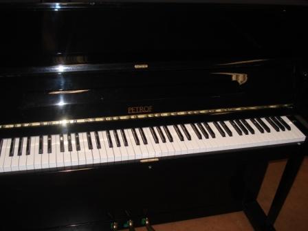 PETROF- PIANOFORTE 118