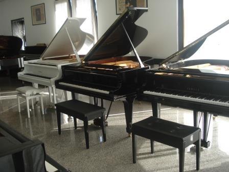 YAMAHA G5/C5 -PIANOFORTE 3/4 CODA-USATO- GARANZIA 10 ANNI!!