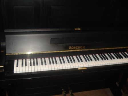 """Pianoforte Tedesco """"ROSENER"""" Usato/Occasione/Garanzia!!- PIANOFORTI VERTICALI UDINE- PIANOFORTI USATI PORTOGRUARO- PIANOFORTI NUOVI PORTOGRUARO- PIANOFORTI USATI MILANO- PIANOFORTI USATI BRESCIA- PIANOFORTI USATI VENEZIA- PIANOFORTI USATI TREVISO- PIANOFORTI OCCASIONE PADOVA-"""