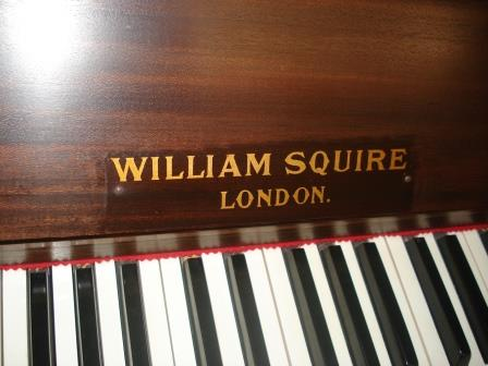 "PIANOFORTE VERTICALE "" WILLIAM SQUIRE – LONDON""( DA STUDIO)"