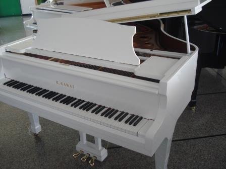 KAWAI KG-3/RX-3 (PIANOFORTE A CODA BIANCO LACCATO/LUCIDO)