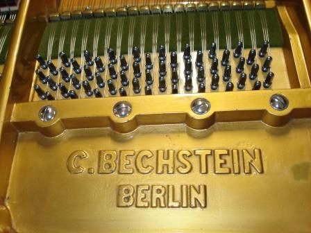 """PIANOFORTE A CODA """"C.BECHSTEIN""""-CHIPPENDALL-NOCE SATINATO.."""